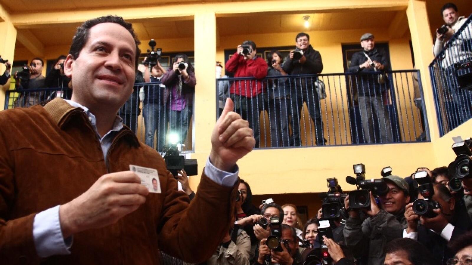 El candidato del PRI voto cerca de las 9am