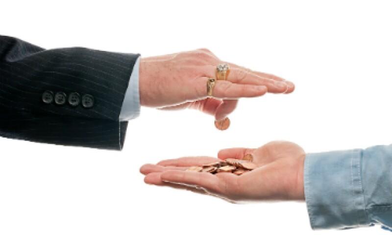 Las empresas que no han pagado el salario legal a sus empleados pueden ser multadas y obligadas a indemnizar a sus empleados. (Foto: Shutterstock)