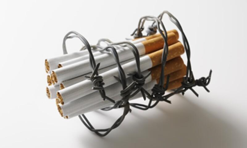 A raíz del alza de impuestos al tabaco, el comercio ilegal se apoderó del 15% del mercado de cigarros. (Foto: Getty Images)