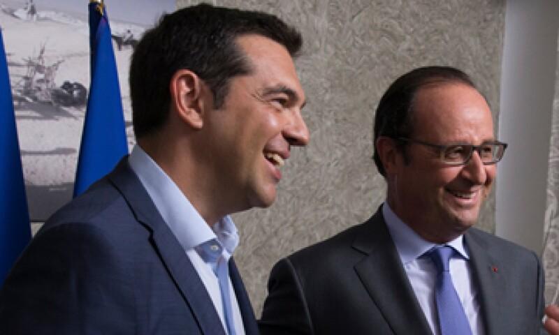 Alexis Tsipras y Francois Hollande coinciden en que el Parlamento griego tendrá tiempo para aprobar el acuerdo.  (Foto: Reuters)