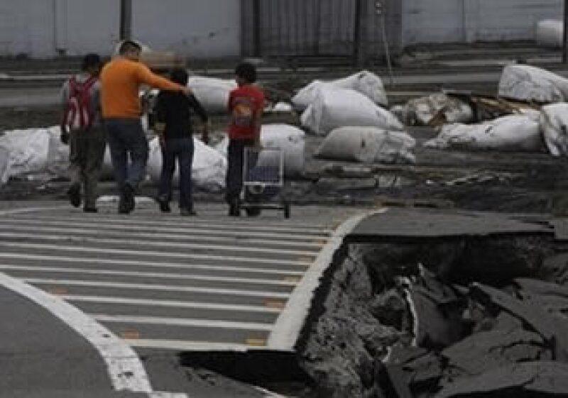 El mercado de valores reflejó los efectos del sismo registrado el sábado. (Foto: AP)