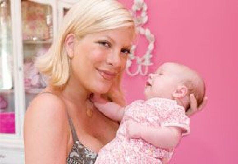 La hija de tres meses de Tori Spelling y Dean McDermott estrena un cuarto de princesa.