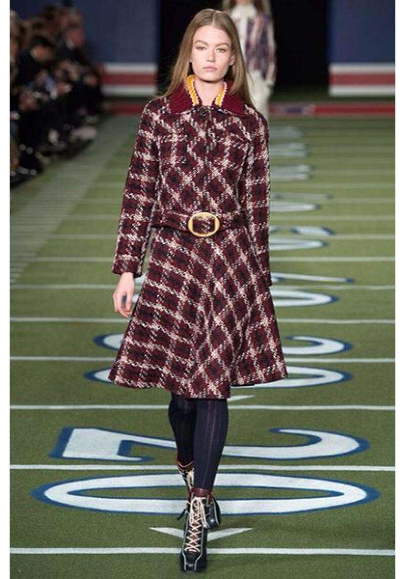 Un abrigo con un print cuadriculado dejará huella en cualquier lugar.