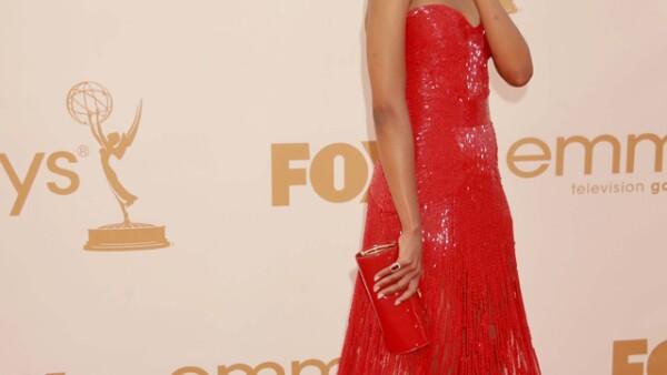Kerry Washington eligió un vestido de Zuhair Murad Couture para desfilar por la alfombra roja de los Emmy 2011.