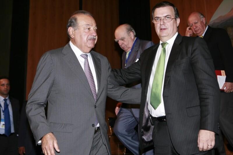 Ebrar asistía a eventos tanto con políticos como empresaros, aquí con el Ingeniero Carlos Slim.