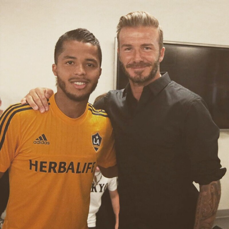 El ex futbolista británico compartió una foto con el delantero mexicano con motivo de su primer juego con el LA Galaxy y le dedicó unas lindas palabras.