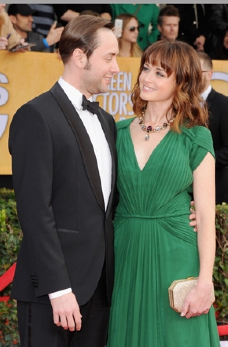 Los actores de la famosa serie `Mad men´se conocieron en 2012 en el set de grabación, y un año después anuncian su matrimonio, motivo por el que el elenco de la serie está muy feliz.