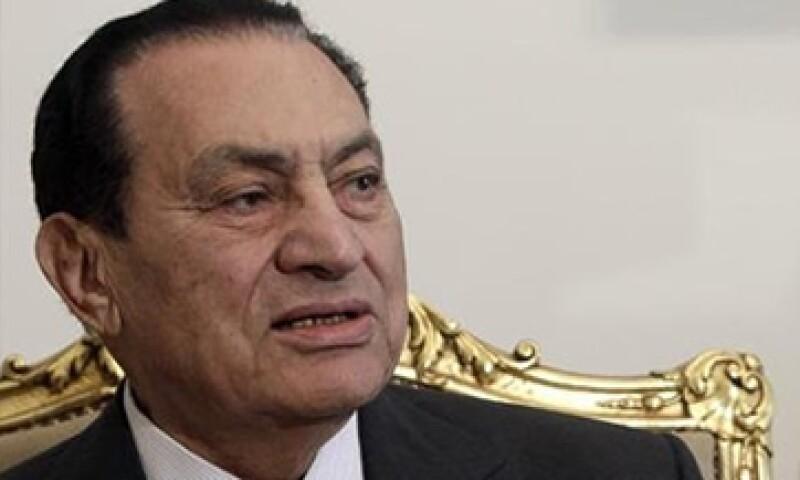 El ex presidente, Hosni Mubarak fue fue condenado este año a cadena perpetua por no impedir la matanza de 900 manifestantes. (Foto: Reuters)