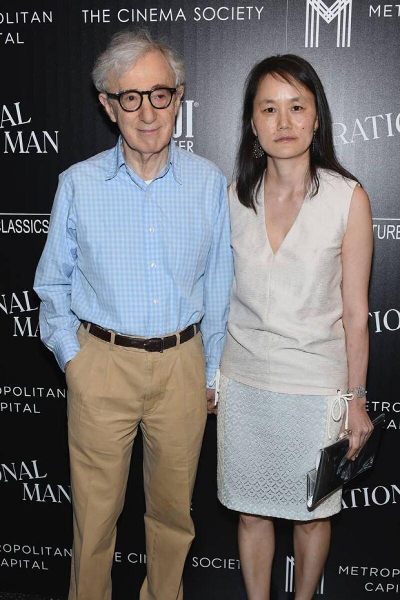El cineasta platicó de su relación con Soon-Yi, hija adoptiva de su ex pareja Mia Farrow, y quien es 35 años menor que él. Este 2015 cumplen 18 años de casados.