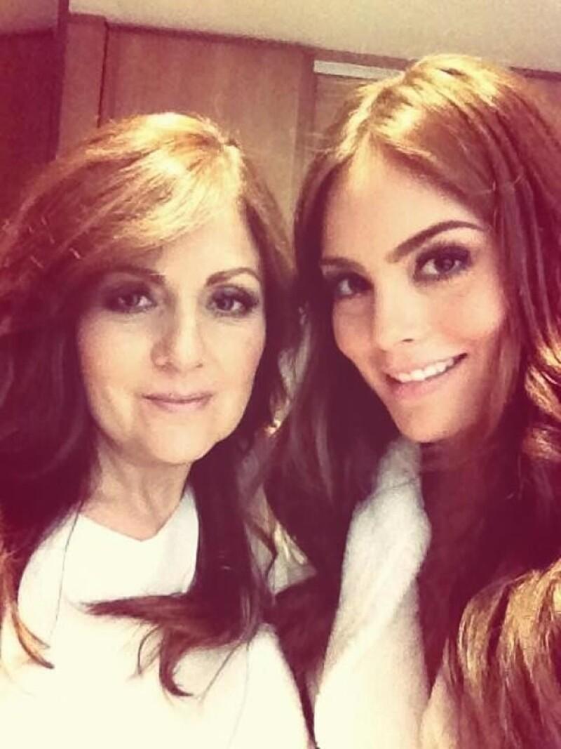 Desde temprano celebridades como Thalía, Andrea Legarreta, Aracely Arámbula, entre otros, utilizaron dicha red social para mandar un tierno mensaje.