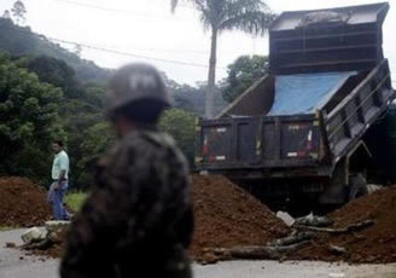 El ejército bloquea la frontera entre Nicaragua y Honduras, en la ciudad de Las Manos. (Foto: Reuters)