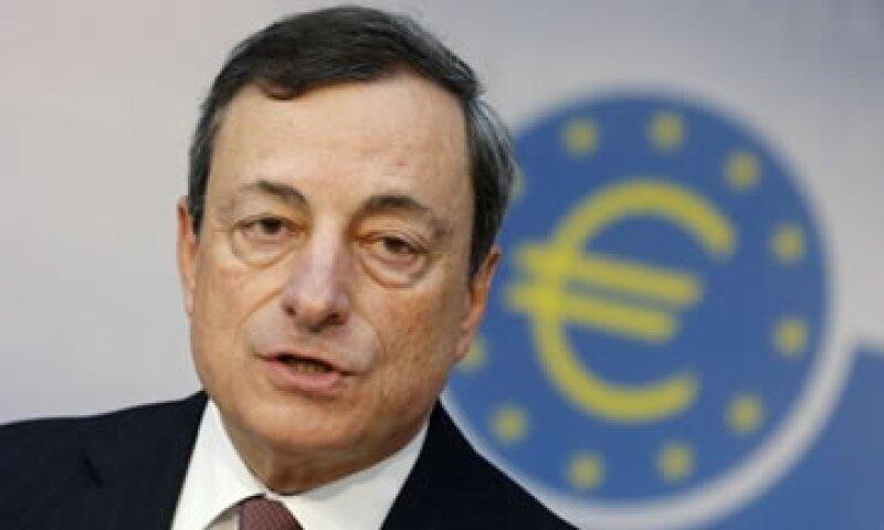 Draghi instó a los gobiernos a hacer más mediante la aprobación de reformas. (Foto: AP)
