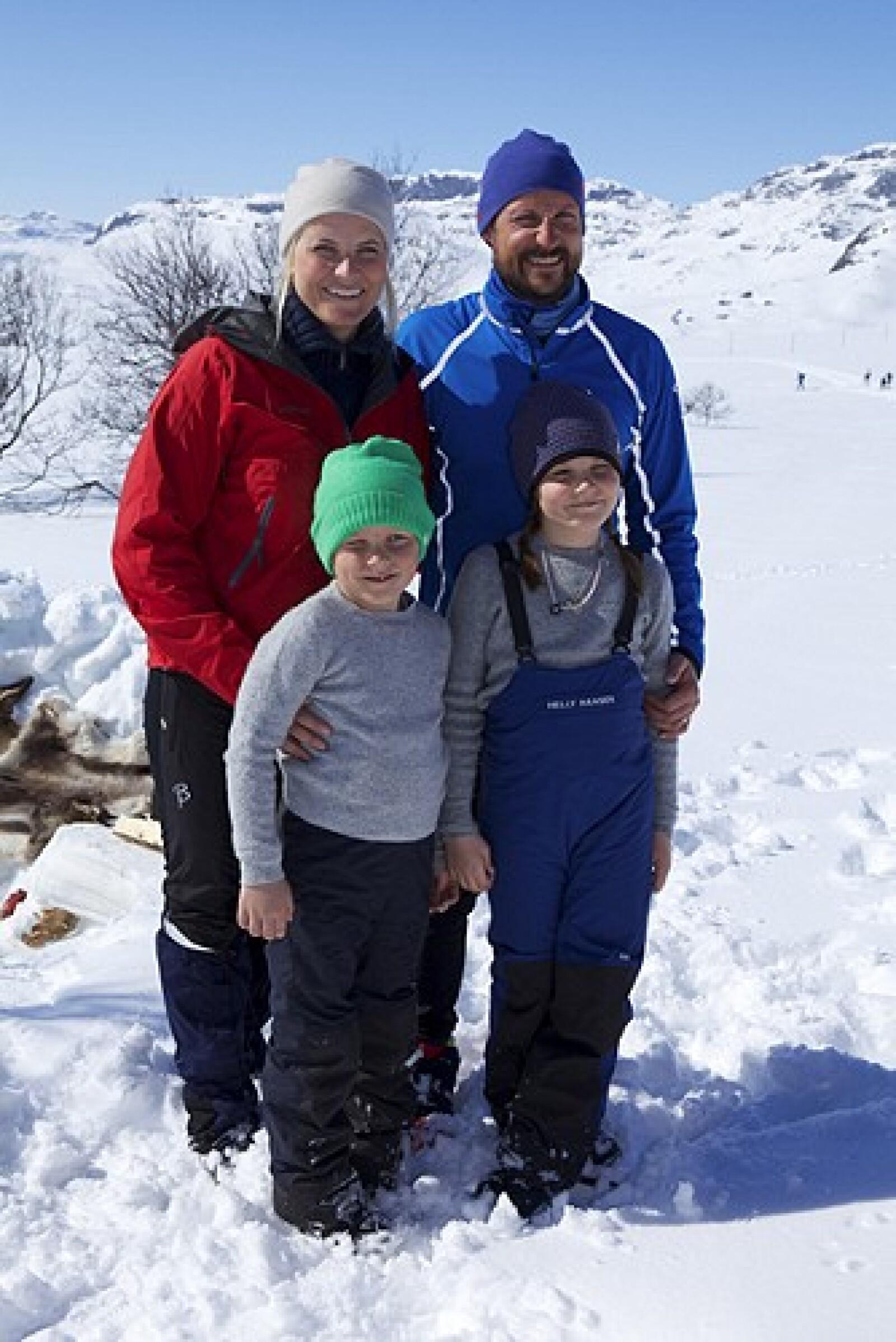 El prínicpe Haakon tiene 2 hijos, Ingrid Alexandra y Sverre Magnus.