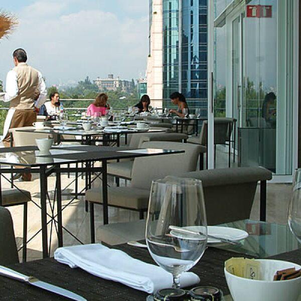 Este lujoso hotel es parte del nuevo auge por renovar una de las zonas más representativas de la ciudad de México.