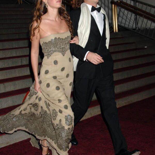 Llegando a la Gala del Met con su inseparable Tatiana.
