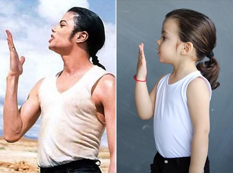 Inicialmente, Michael imitaba al rey del pop, Michael Jackson.