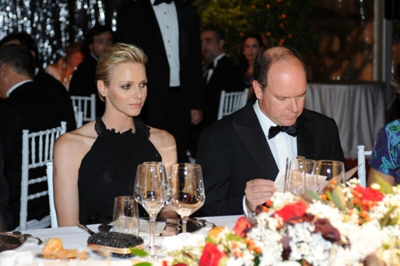 La publicación aseguró que el matrimonio entre Charlene Wittstock y Alberto de Mónaco estuvo a punto de no consumarse.