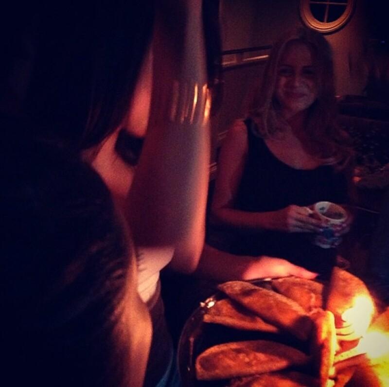 Selena recibió una charola de tacos para festejar su cumpleaños.