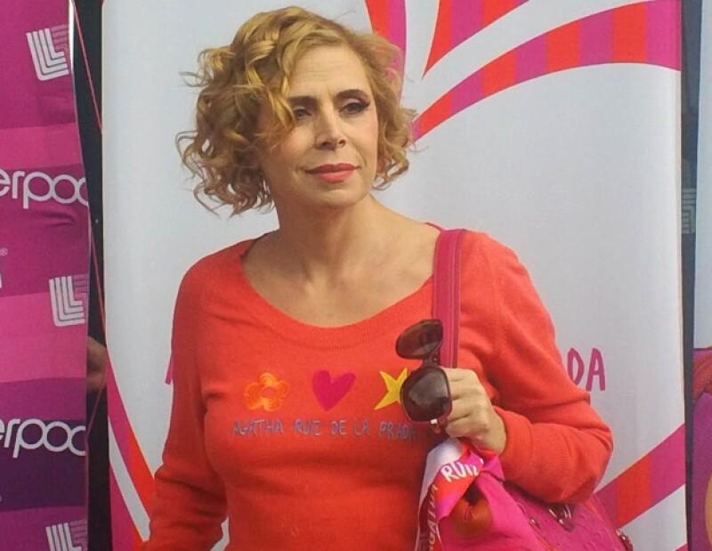 La importante diseñadora española se encuentra de visita en México para presentar su nueva colección exclusiva de bolsos.
