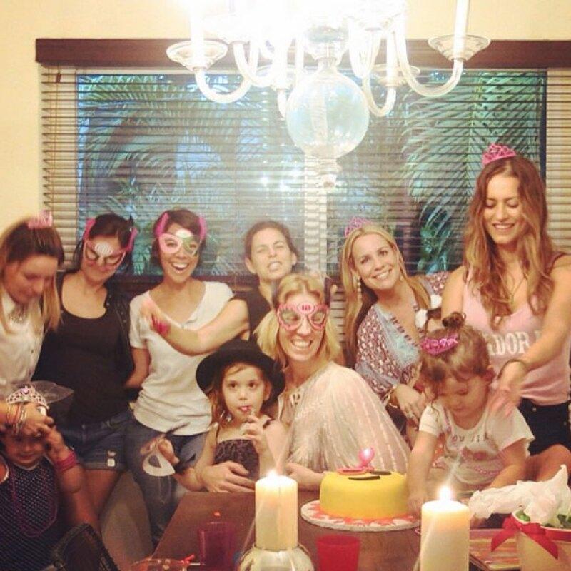 La pequeña Erin Dìaz Ponce estuvo muy festejado en su cumpleaños número dos.