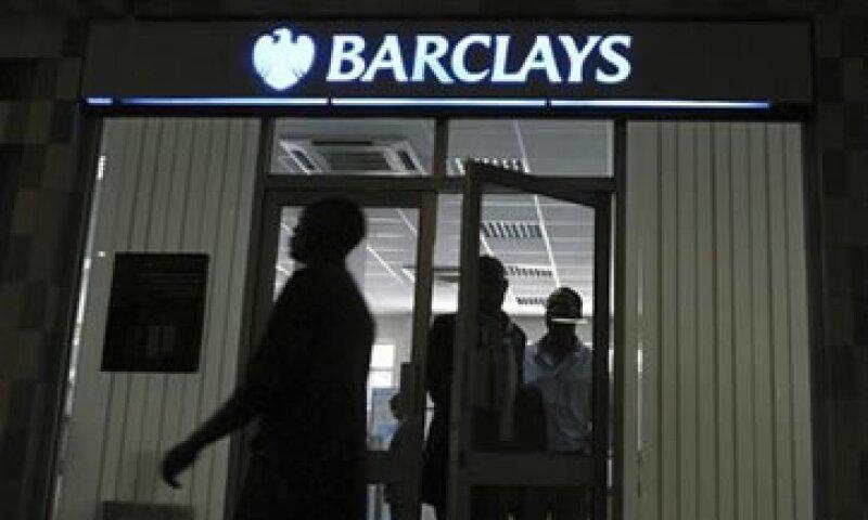Barclays dijo que en 2010 ofreció una fórmula de compensación a los clientes afectados.  (Foto: Reuters)