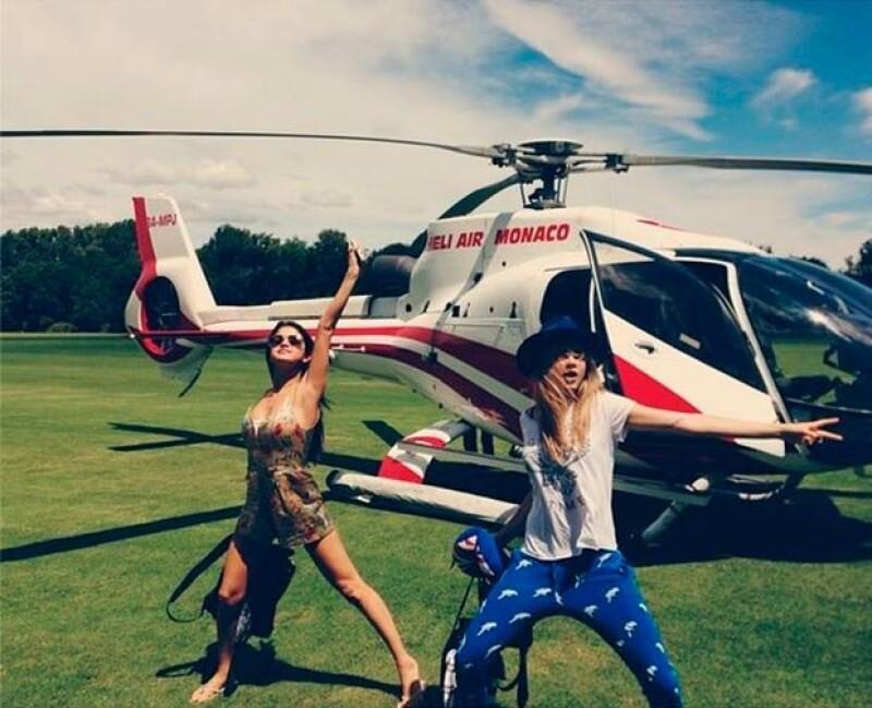 Selena y Cara dieron un paseo en helicóptero.