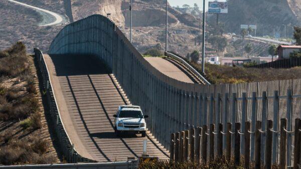 el muro en la frontera norte
