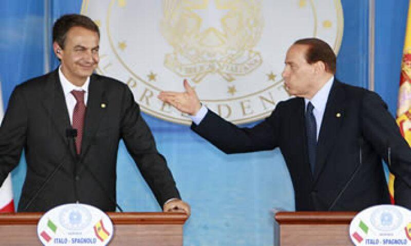 La agencia ve mayores riesgos por la intensificación de la crisis de la eurozona. (AP)