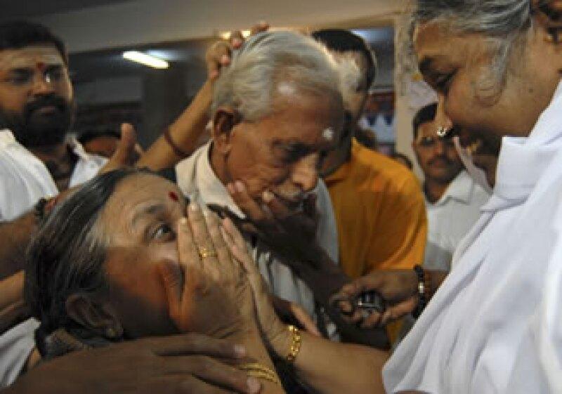 El móvil de Mata Amritanandamayi o Amma, como se conoce internacionalmente, es el amor a todo aquel que lo pida. (Foto: AP)