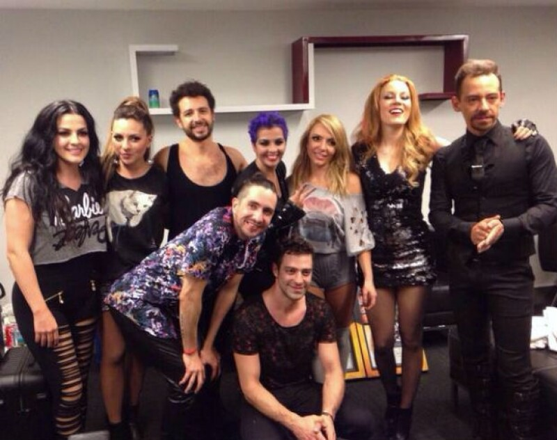 El cantante pasó un momento bochornoso en Monterrey, pues en una de las canciones finales del concierto #GIRAOV7KABAH terminó con los pantalones abajo.