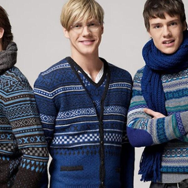 Tres opciones diferentes de suéteres, que pueden combinarse con un pantalón de pana para un estilo elegante.