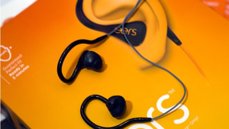 Eers son audífonos que se hacen a la medida de los oídos de los consumidores.