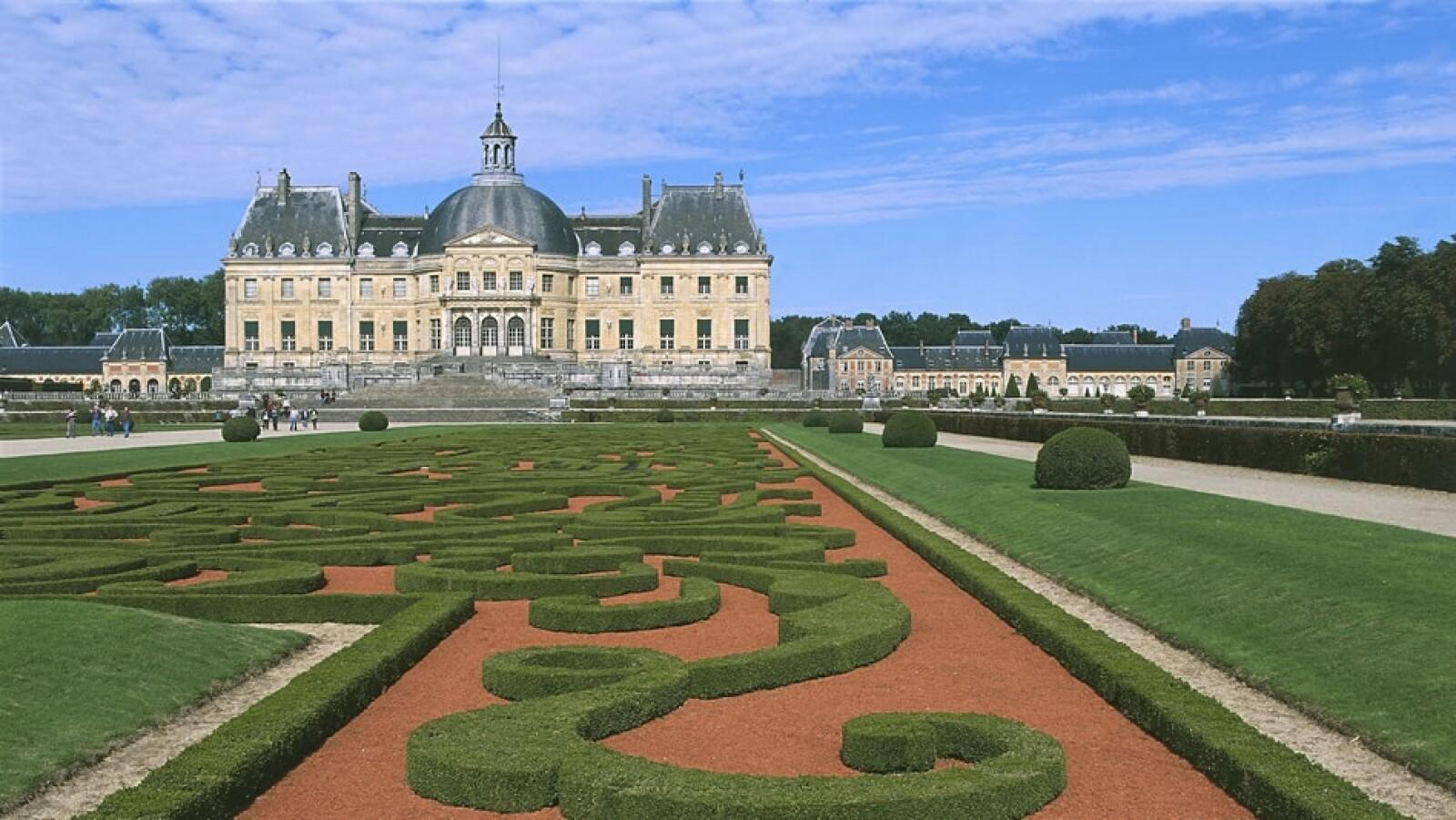 El Chateux Vaus-Le-Vicomte en Maincy, Francia te cobrará alrededor de 60,000 dólares por tu boda