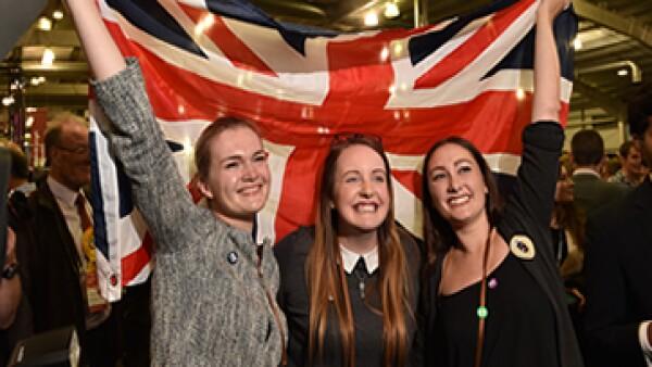 El ministro principal de Escocia Alex Salmond dejará el cargo, luego de que fuera derrotado el movimiento independentista del &#39Sí&#39 en un plebiscito que buscaba separar al país del United Kingdom.
