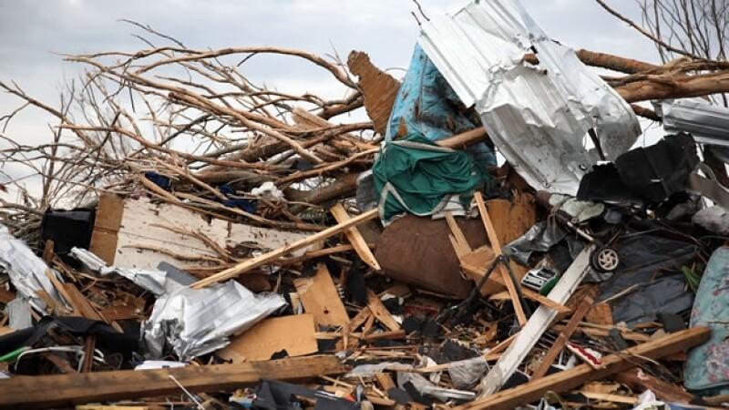 Destrucción en Louisville por un tornado
