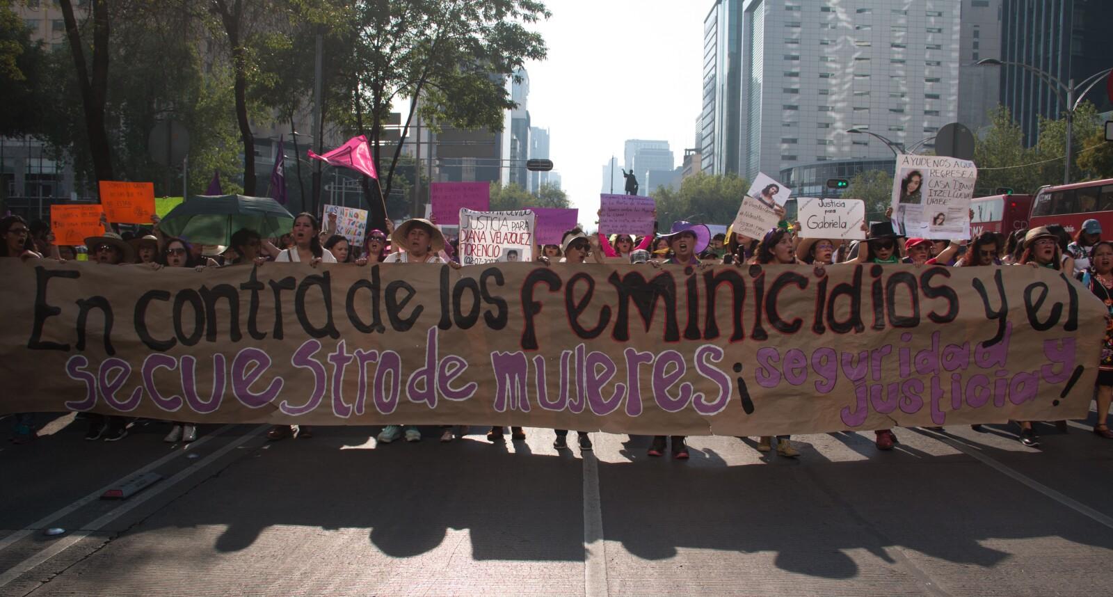 Contra los feminicidios y los secuestros.