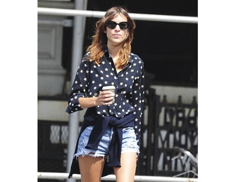 La modelo alcanza otro de sus grandes sueños, convertirse en diseñadora de ropa.