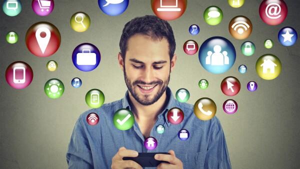 """""""La idea es que cualquiera pueda hacer una app"""", explica Ronnie Ríos, consultor senior de la compañía."""