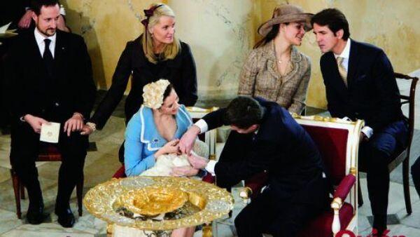 Hakoon DE Noruega, Mette-Marit de Noruega, Victoria de Suecia, Pablo de Grecia, Mary Donaldson, Guillermo de Dinamarca