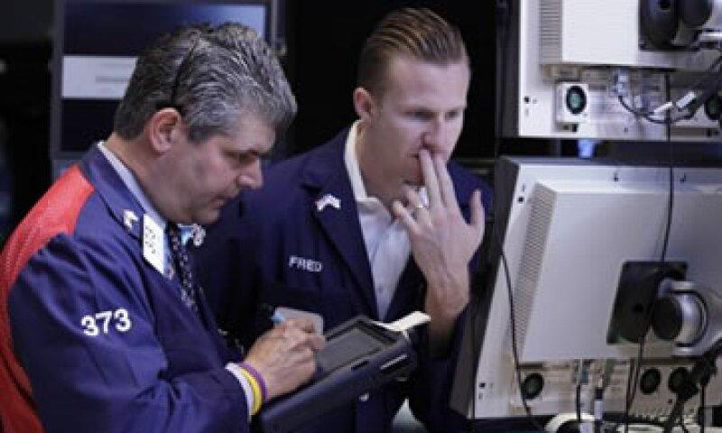 El índice S&P superó su promedio móvil de 220 días en Wall Street. (Foto: AP)