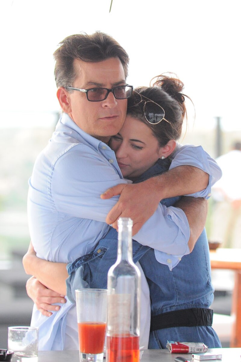 Charlie Sheen y Georgia Jones.