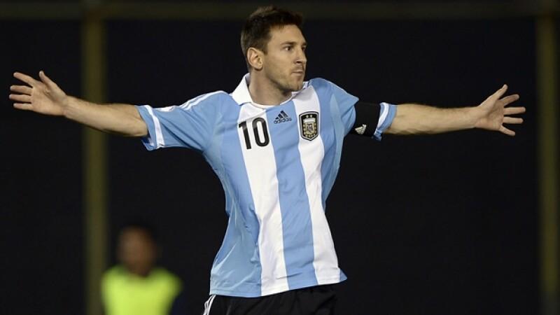 lionel messi argentina paraguay