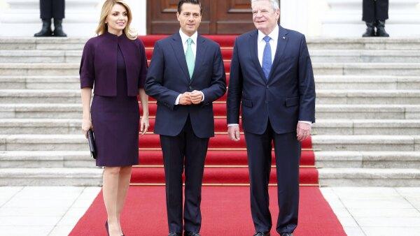 El mexicano Peña Nieto (centro) nunca había visitado Alemania como jefe de Estado.