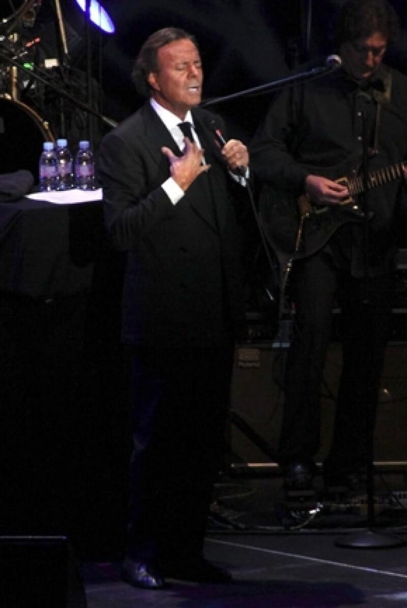 El cantante se `confesó´ ante más de 7 mil personas durante un concierto en Bolivia.