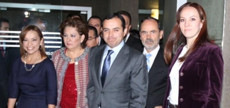 Miranda de Wallace estuvo acompañada por Josefina Vázquez Mota, Ernesto Cordero, Gustavo Madero y Gabriela Cuevas.