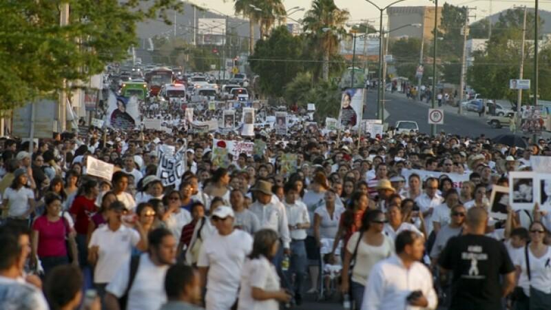 manifestacion para recordar muerte de los niños de la guarderia abc