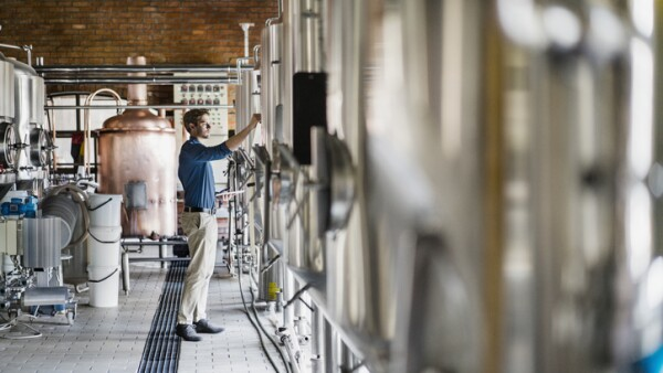 planta productora de cerveza