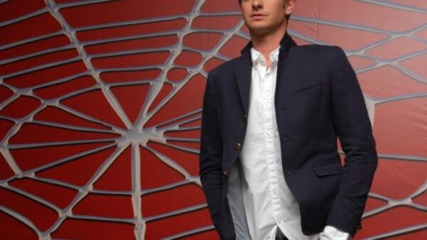 """El actor británico es quien sustituirá a Tobey Maguire en la secuela del """"Hombre araña"""", la cual comenzará a filmarse en diciembre de este año."""