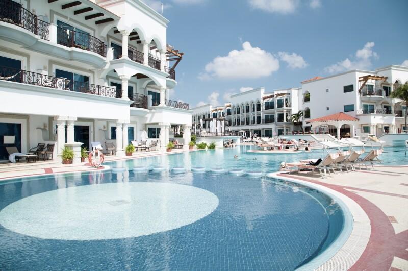 Más resorts.