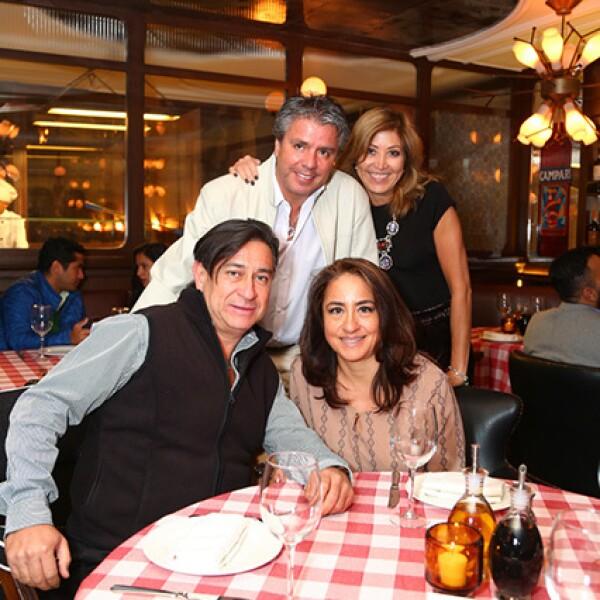 Arturo Camacho y Sasha Contreras con Eduardo Tirado y Patricia Loredo